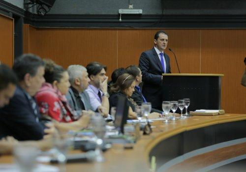 FISCALIZAÇÃO ELETRÔNICA -Chagas diz que contratos serão analisados